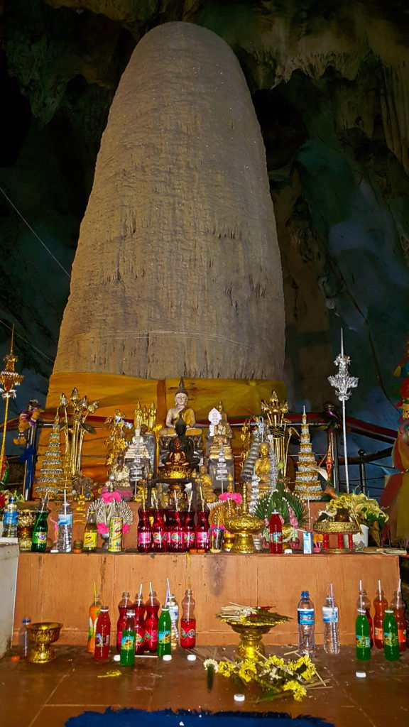 Muang On Stalagmite Shrine